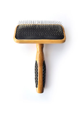 Bass Brush Med. Slicker Brush A20